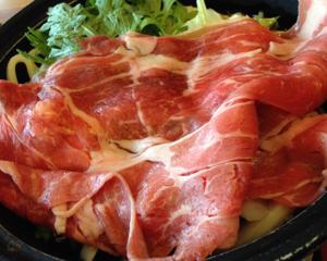 天狗の特選牛すき焼き鍋ランチが590円で美味しい