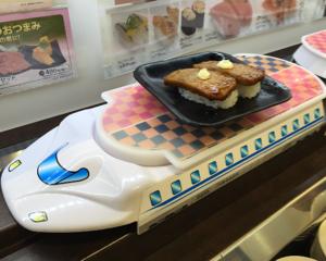 回らないかっぱ寿司へ行ってみた。2段の階層レーン「すし特急」がお寿司を運んでくれるよ!