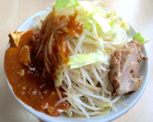 二郎+蒙古タンメン中本が一度に楽しめる!「蒙麺 火の豚」のフュージョンラーメン(埼玉県久喜市)
