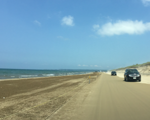 日本ビーチランキング1位!車で砂浜を走れる千里浜なぎさドライブウェイへ行ってみた