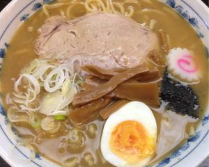 魚介スープで太麺をガッツリ食べたい人におすすめ!大勝軒しのや(埼玉県北葛飾郡杉戸町)